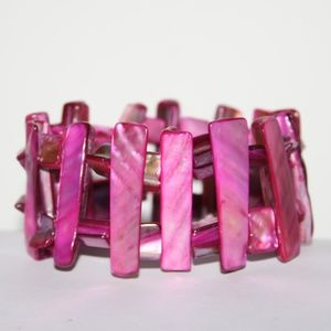 Beautiful hot pink shell bracelet